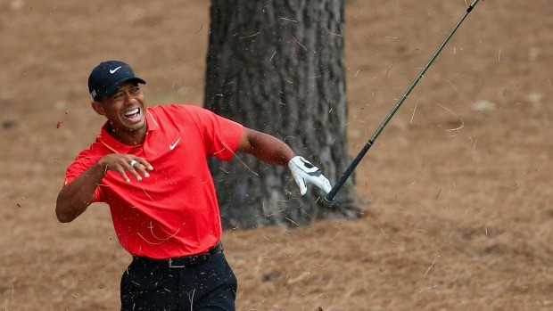 -c- getty Tiger Woods hurts hand Masters