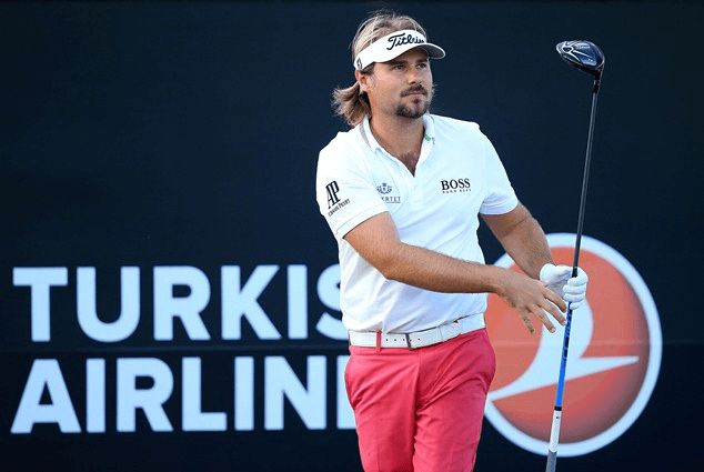 Victor Dubuisson Titleist D2