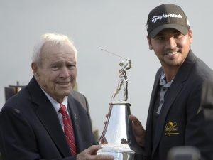 Arnold Palmer en compagnie de Jason Day.