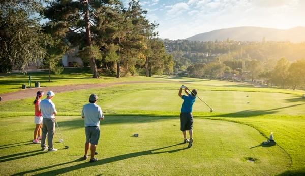 jouer au golf en amis